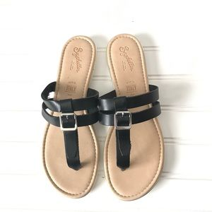 Seychelles black leather buckle flip flop sandals